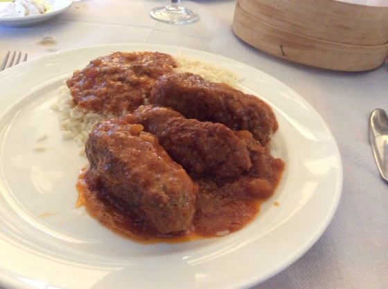 meatballs with rice and tomato sauce